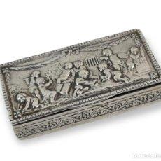 Antigüedades: CAJA PASTILLERO EN PLATA 915. ESPAÑA PPS SXX. CHERUBS SILVER PILLBOX. 75X36X18MM 66GR. Lote 293478718