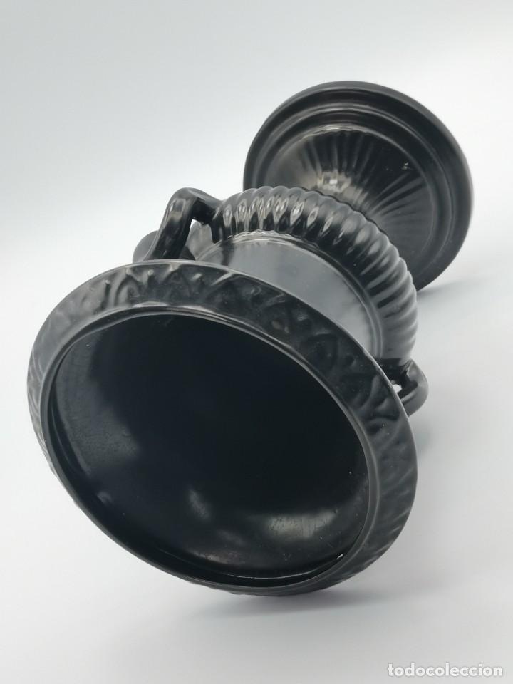 Antigüedades: Magnífico jarrón de cerámica Dartmouth England. 23 cm. - Foto 24 - 293541443
