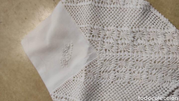Antigüedades: pañuelo antiguo bordado Rosa. medidas 22 x 22 cms - Foto 3 - 293573303