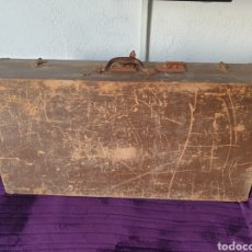 Antiguidades: ANTIGUA MALETA GRANDE VIAJE MADERA. Lote 293594503