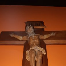 Antigüedades: PRECIOSO CRISTO DE OLOT MADERA PRENSADA SXIX. Lote 293639753