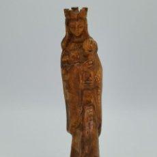 Antiquités: BONITA ANTIGUA FIGURA DE VIRGEN TALLADA EN MADERA. 25 CM.. Lote 293924503