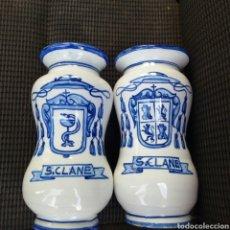 Antigüedades: LOTE DE 2 ALBARELOS BOTES TARROS FARMACIA DE S.CLANE TALAVERA TALABRILENSE EN BUEN ESTADO.. Lote 294016338