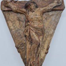Antigüedades: INTERESANTE CRISTO CRUCIFICADO CON LOS ATRIBUTOS DE LA PASION EN TERRACOTA,S. XVII-XVIII. Lote 294093333