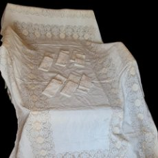 Antigüedades: GRAN MANTELERÍA DE LAGARTERA. LINO. 12 SERVICIOS. 317X188CM. Lote 294384178