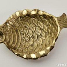 Antigüedades: CENICERO DE BRONCE EN FORMA DE PEZ. MEDIADOS S.XX.. Lote 294430473