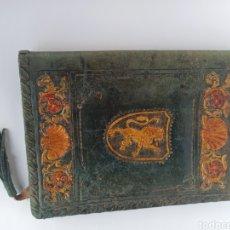 Antigüedades: FUNDA DE PIEL Y LIBRO RELIGIOSO. Lote 294461708