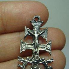 Antigüedades: CRUZ DE CARAVACA. PLATA.. Lote 294945423