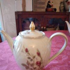 Antigüedades: PRECIOSA CAFETERA DE PORCELANA ROSE MOUSSE PORCELAINE IVOIRE. P. Lote 295397198