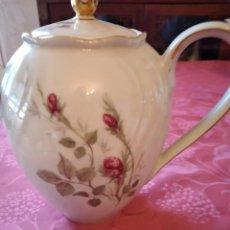 Antigüedades: PRECIOSA CAFETERA DE PORCELANA ROSE MOUSSE PORCELAINE IVOIRE. G. Lote 295397298