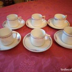 Antigüedades: PRECIOSO JUEGO DE 6 DE CAFÉ DE PORCELANA H.J.Cº BAVARIA, DECORADOS CON ROSAS Y ORO,12 PIEZAS. Lote 295401803