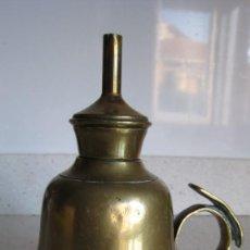 Antigüedades: ANTIGUO CANDIIL MECHA DE BRONCE PESO 400 GMS. MUY FUERTE ALTURA 12 CMTS.. Lote 295424688