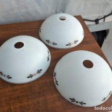 Antigüedades: LOTE DE 3 TULIPAS DE CRISTAL OPACO.. Lote 295436028