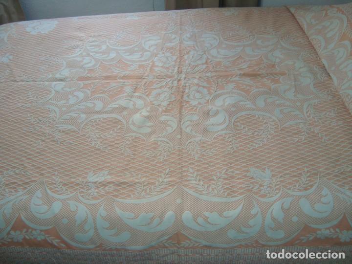 Antigüedades: ANTIGUA COLCHA DE ALGODÓN ROSA Y BLANCO 210cm x 255cm. - Foto 2 - 129008539