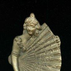 Antigüedades: CENICERO MODERNISTA EN BRONCE. Lote 295639388