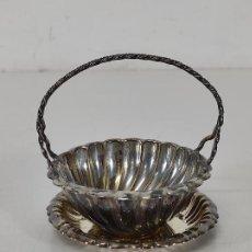 Antigüedades: BONITA CESTA CON BANDEJA - PLATA DE LEY CON CONTRASTES. Lote 295719438