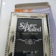 Antigüedades: CLASICO MARCO TIPO PLATA FOTOGRAFIA SILVER PLATED PORTA RETRATO CUADRO PARA FOTOS NUEVO. Lote 295992658
