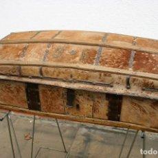 Antigüedades: BAUL PIEL DE VACA SIGLO XIX. Lote 296002473