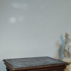 Antigüedades: ANTIGUA MESA DE SALÓN SIGLO XIX ,MÁRMOL AZULADO PIEZA ORIGINAL DE ÉPOCA. Lote 296613093
