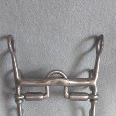 Antigüedades: BOCADO HIGMANS DE DOBLE EMBOCADURA DESLIZANTE. Lote 296626238
