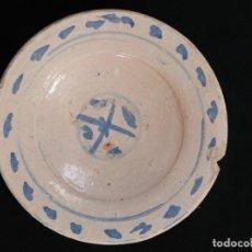 Antigüedades: CERÁMICA POPULAR VASCA. PLATO DE CERÁMICA ESMALTADA. SIGLOS XVIII-XIX. MIDE 19 CM.. Lote 296733313