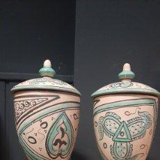 Antigüedades: PAREJA DE TIBUR TARROS DE CERAMICA FIRMADO ANTESA. Lote 297051248