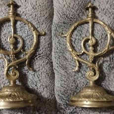 Antigüedades: MACNIFICO PAR DE CANDELABROS MODERNISTAS RAREZA. Lote 297069718