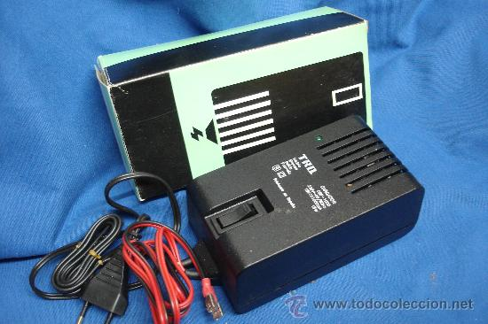 CARGADOR CBP-1000 - 220/15 V.- 1000MA. 15 W - MARCA TRQ - NUEVO (Radios - Aparatos de Reparación y Comprobación de Radios)