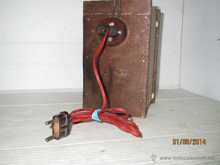 Radios antiguas: Antiguo Elevador Reductor de Radios Antiguas de Valvulas -Gran Tamaño y Completo - Año 1940-50s. - Foto 5 - 45056109