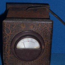 Radios antiguas: ANTIGUO VOLTIMETRO, ELEVADOR REDUCTOR DE LA MARCA ESTEVAN, MODELO 19. Lote 45460069