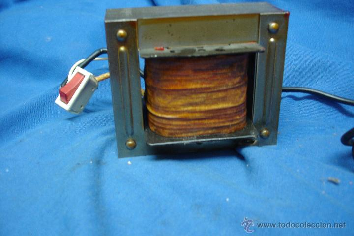 Radios antiguas: - AUTO TRANSFORMADOR TRQ ENTRADA 125 V. SALIDA 220 V. SIN USO - Foto 2 - 146160680