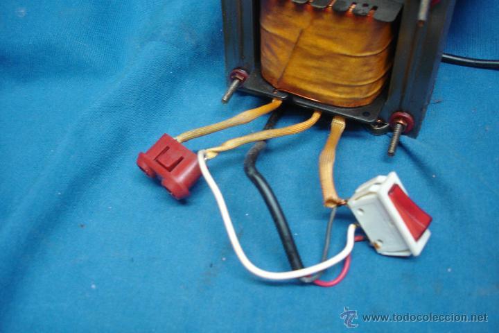 Radios antiguas: - AUTO TRANSFORMADOR TRQ ENTRADA 125 V. SALIDA 220 V. SIN USO - Foto 4 - 146160680