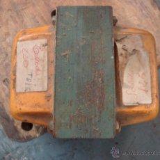 Radios antiguas: ANTIGUO TRANSFORMADOR 125-220 V POTENCIA 500?. Lote 48428356