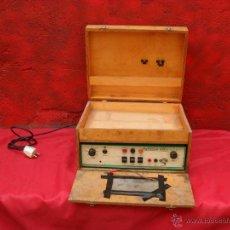 Radios antiguas: APARATO EUROMARK 882,ME DICEN ES UN ELECTRO BISTURI. Lote 49250489