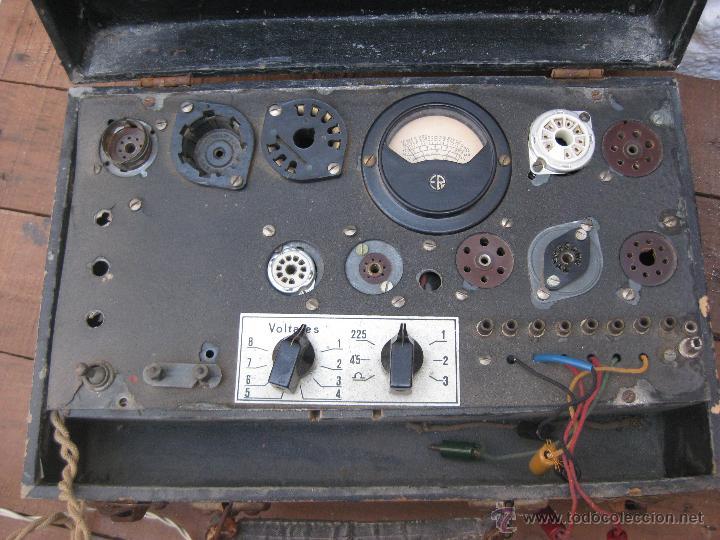 Radios antiguas: APARATO ANTIGUO COMPROBADOR DE VALVULAS DE RADIOS Y TV ESCUELA MAYMO EN MALETIN - Foto 3 - 52433468