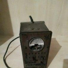Radios antiguas: RADIO VALVULAS/VOLTIMETRO. Lote 53603849