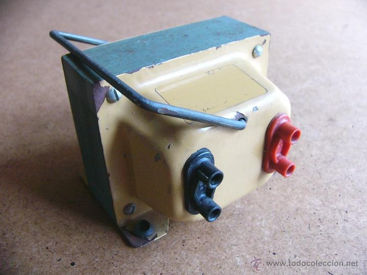 Transformador rectificador de corriente de 125 V a 220 V o viceversa 220V a 125V - 500W color beige