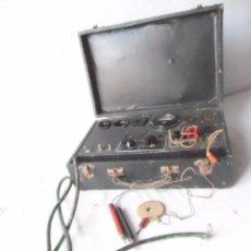 Radios antiguas: RADIO VALVULAS COMPROBADOR VALVULAS MALETA ANTIGUA . Lote 103804823