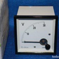 Radios antiguas: VOLTIMETRO DE PANEL - ZURC 0 - 30 V NUEVO. Lote 115014899
