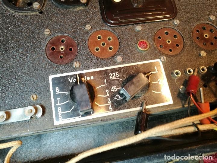 Radios antiguas: MALETIN COMPROBADOR DE VÁLVULAS ESCUELA DE RADIO MAYMO. CIRCA 1940. - Foto 2 - 123383951