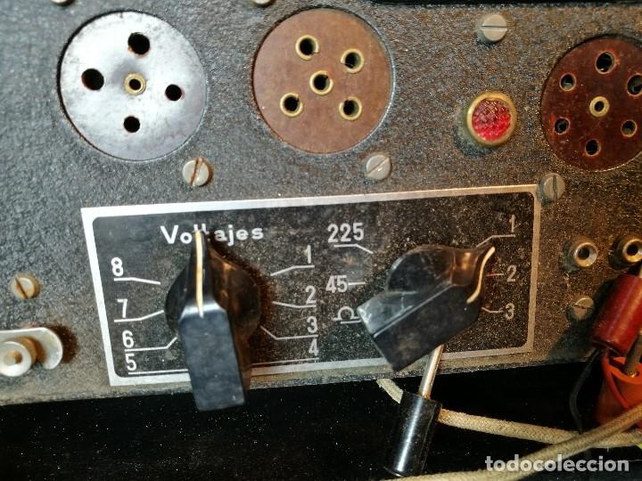 Radios antiguas: MALETIN COMPROBADOR DE VÁLVULAS ESCUELA DE RADIO MAYMO. CIRCA 1940. - Foto 3 - 123383951