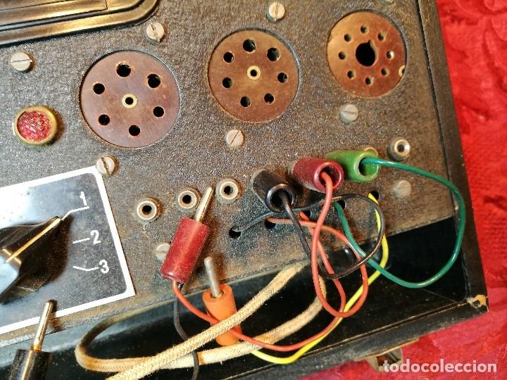 Radios antiguas: MALETIN COMPROBADOR DE VÁLVULAS ESCUELA DE RADIO MAYMO. CIRCA 1940. - Foto 4 - 123383951