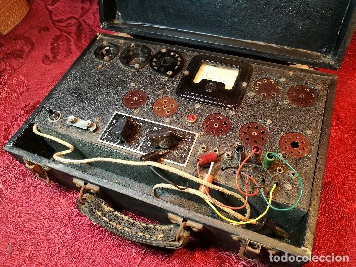 Radios antiguas: MALETIN COMPROBADOR DE VÁLVULAS ESCUELA DE RADIO MAYMO. CIRCA 1940. - Foto 13 - 123383951