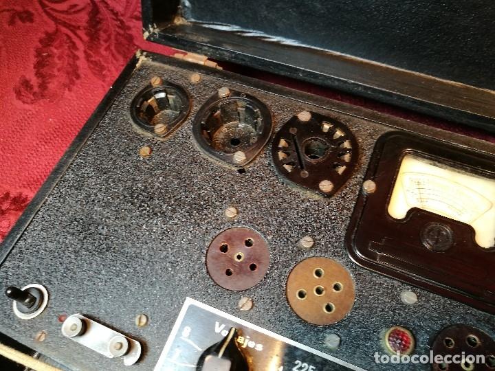 Radios antiguas: MALETIN COMPROBADOR DE VÁLVULAS ESCUELA DE RADIO MAYMO. CIRCA 1940. - Foto 17 - 123383951