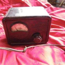 Radios antiguas: ELEVADOR REDUCTOR DE CORRIENTE , EN BAQUELITA MARCA ARANT. Lote 124208627