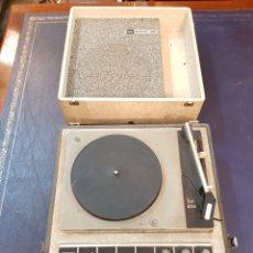Radios antiguas: BETTOR MARK - 40 DUAL 410 TOCADISCOS VINTAGE PARA RESTAURAR O PIEZAS. Lote 138532965