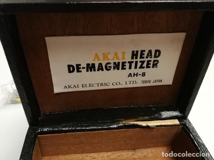 Radios antiguas: ANTIGUO DESMAGNETIZADOR AKAI HEAD DE-MAGNETIZER AH-8 EN SU CAJA TOKIO JAPAN PARA CINTAS MAGNETICAS - Foto 2 - 147560838