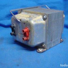 Radios antiguas: ANTIGUO AUTO-TRANSFORMADOR REVERSIBLE DE 220/125 VOLTIOS . Lote 167061512