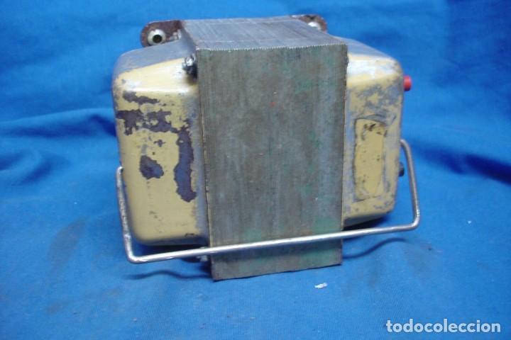 Radios antiguas: ANTIGUO AUTO-TRANSFORMADOR REVERSIBLE DE 220/125 VOLTIOS - Foto 2 - 167061512