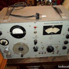 Radios antiguas: APARATO ELÉCTRICO TECNICHES LABORATORIUM GERMANY MARCA WOBBEL MEBSENDER 153 ALTURA 28 CM. 45X26 CM.. Lote 167495632